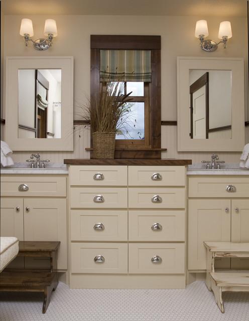 Crosslake rustic-bathroom