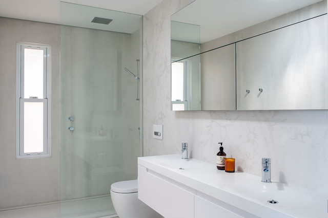 ... Nest - Small Main Bathroom - Modern - Bathroom - sydney - by MINOSA