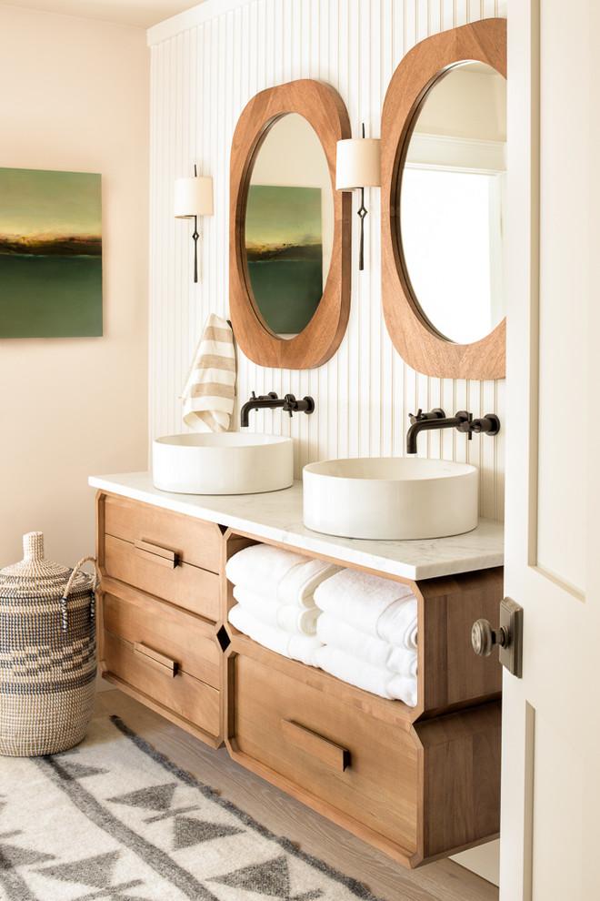Cumberland Foreside Estate - Beach Style - Bathroom ...