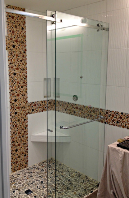 Curbless Shower With Frameless Glass Sliding Door