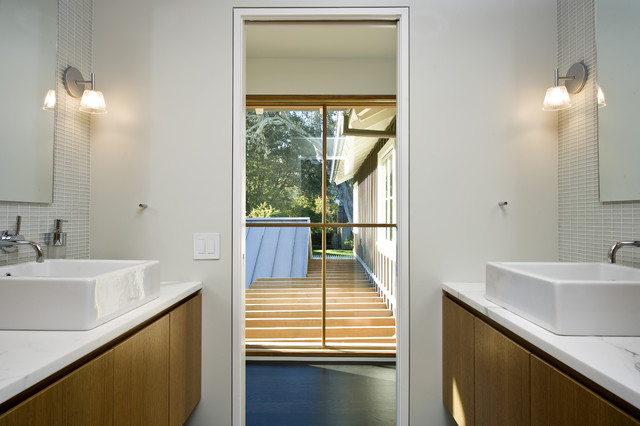 Custom Agrarian Style Residence contemporary bathroom