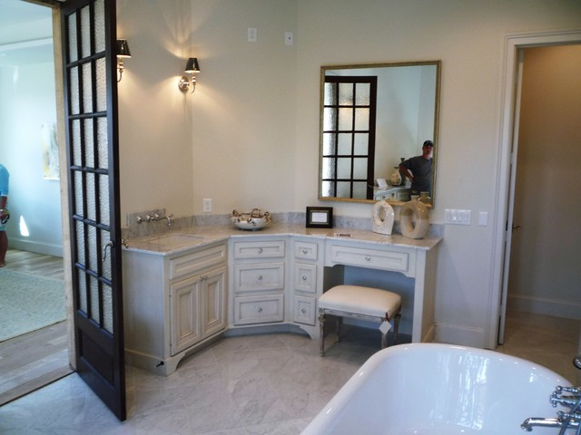 Bathroom Sinks Houston : Custom Bathroom Cabinets & Vanities - Traditional - Bathroom - houston ...
