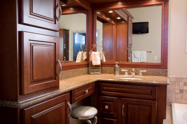 Custom Bathtub and Shower Designs bathroom