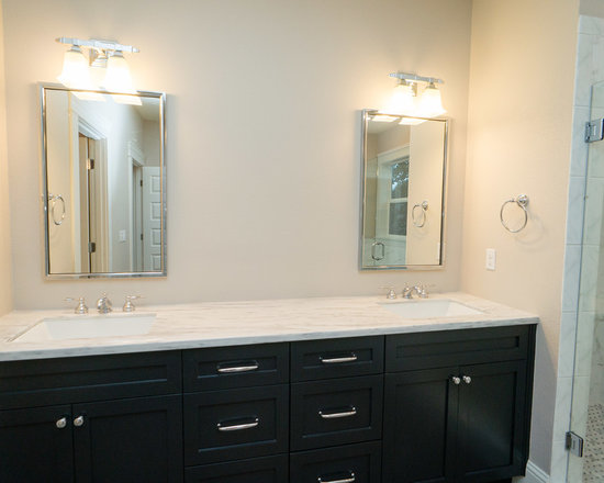 Save email - Black and beige bathroom ...
