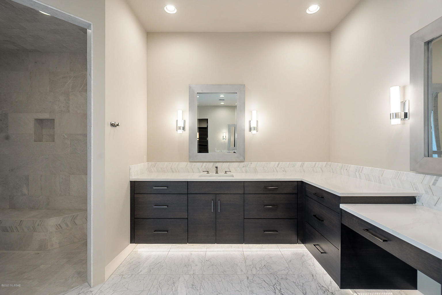 Custom Cabinets - Bathrooms