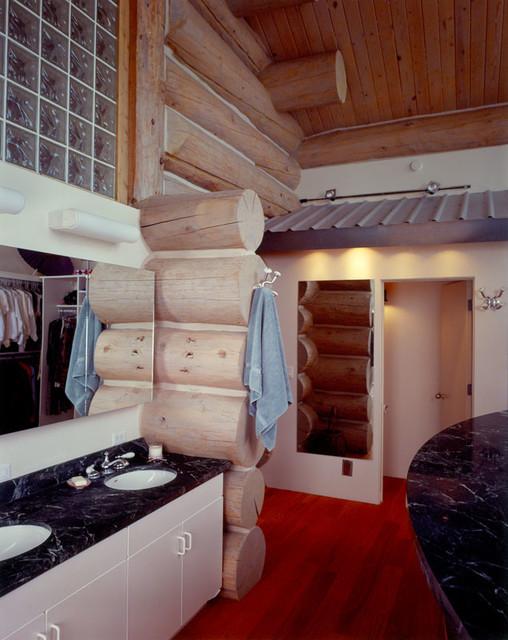Custom Design 2 (Hamilton) traditional-bathroom