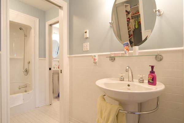 Custom Home 5 contemporary-bathroom