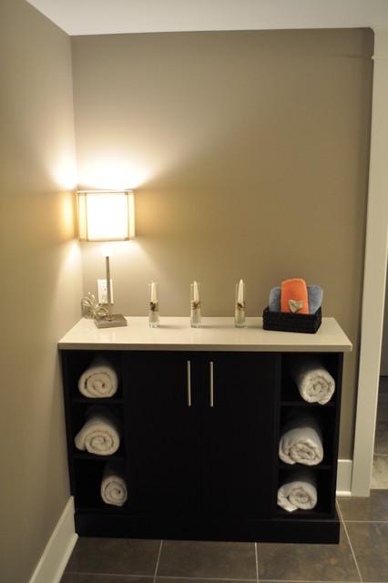 Custom home design kirkland traditional bathroom for Bathroom decor kirklands