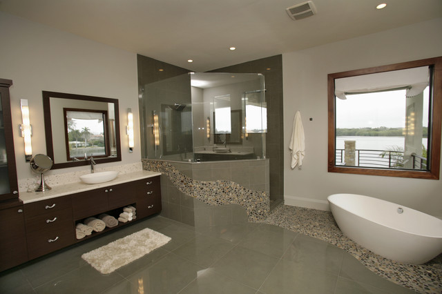 modern bathroom by Devonshire Custom Homes