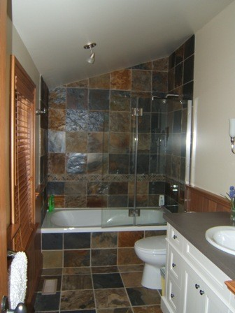 Custom House - Blue Mountains, ON traditional-bathroom