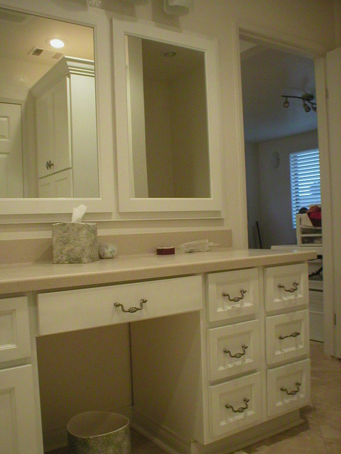 Custom Kitchens traditional bathroom