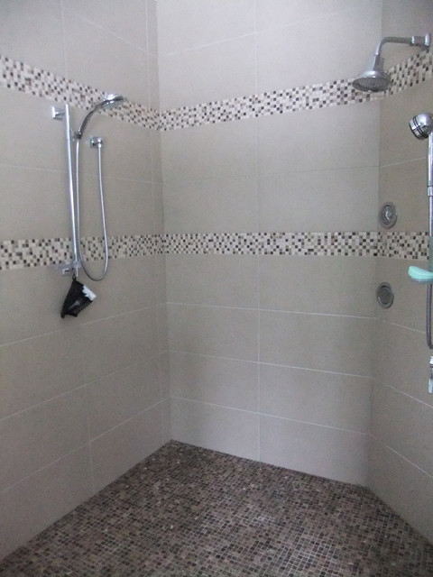 Custom Showers, Tub Decks and Tub Surrounds - modern - bathroom ...