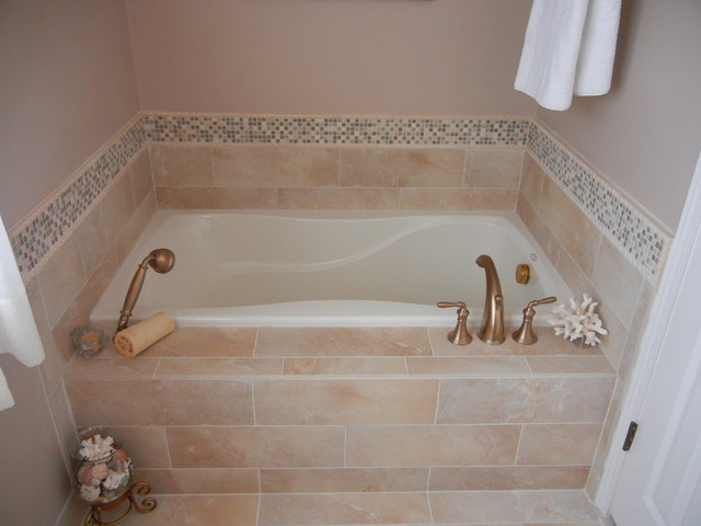 Custom tile garden tub with backsplash marietta ga for Garden tub sizes