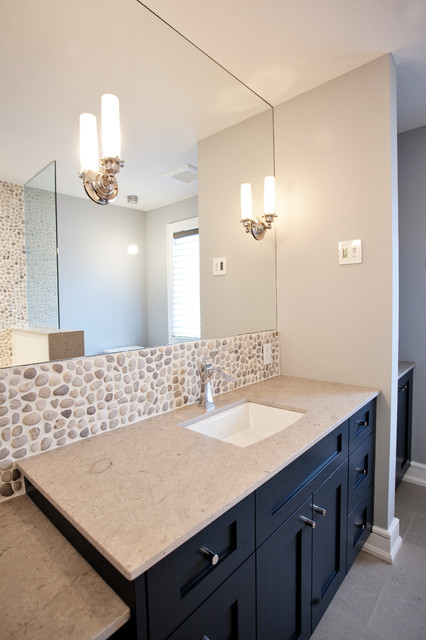 Custom Waterfront Home Barrie transitional-bathroom