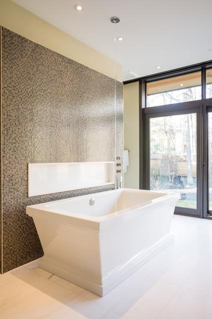 David 39 s house modern bathroom toronto by david for Small bathroom design toronto