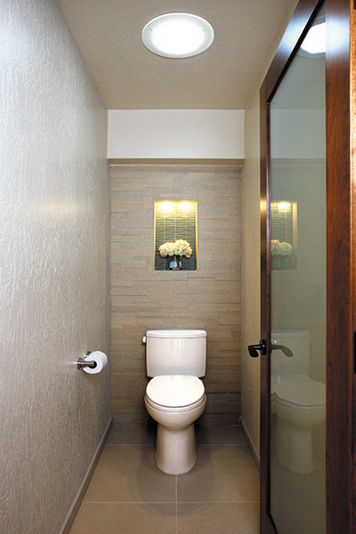 Daylighting bathrooms modern bathroom by solatube for Modern day bathrooms