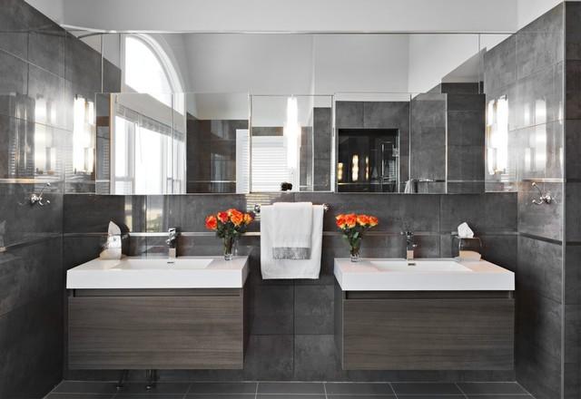 DEAL, NJ BEACH HOUSE beach-style-bathroom