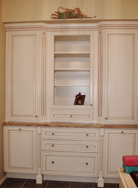 Decora cabinets traditional bathroom other metro for Bathroom cabinets tucson