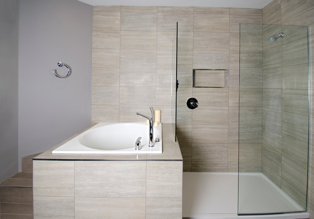 Deep Japanese Soaker Tub/Walk-in Shower - Contemporary ...