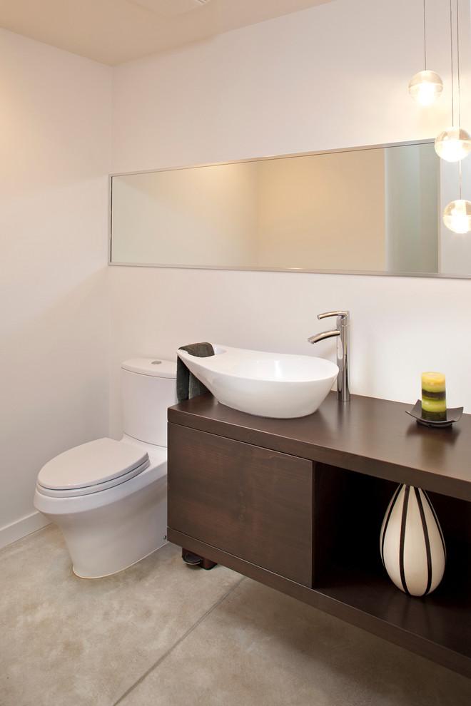 Bathroom - contemporary bathroom idea in Minneapolis with a vessel sink
