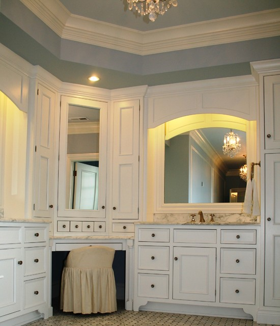 Deer Cliff Traditional Bathroom Other Metro By