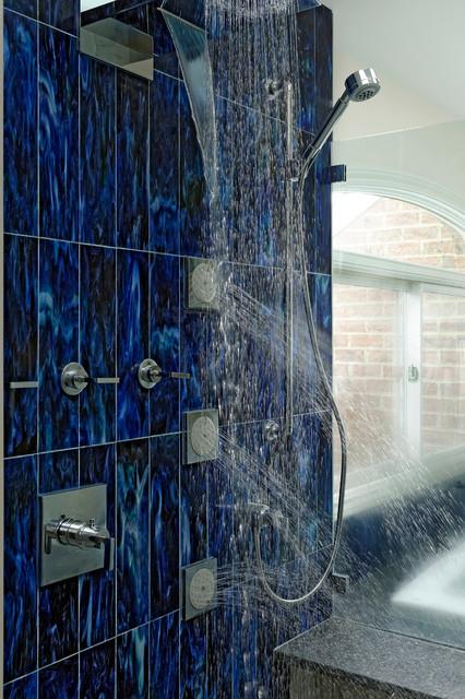 Hals über Kopf! Stilvolle Duscharmaturen fürs Badezimmer