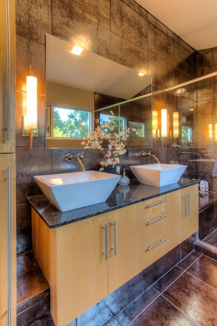 Delafield Modern modern-bathroom