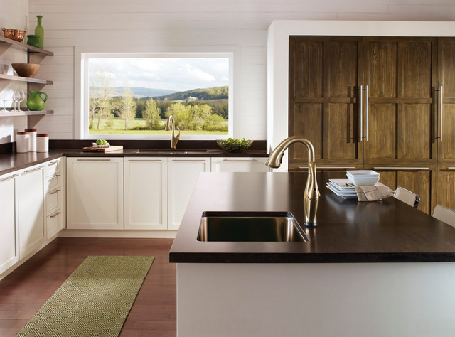 Delta kitchen and bath products for Salle de bain kitch