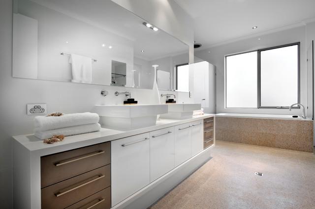 Derby contemporary bathroom perth by daniel lomma for Bathroom design derby