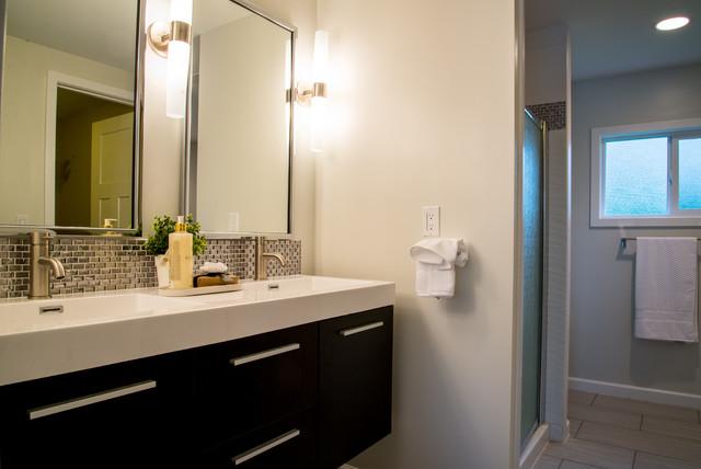 Des Moines Residence Remodel Modern Bathroom Seattle