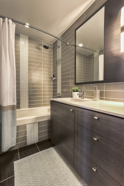 Design Project Berczy Condo Modern Bathroom Toronto