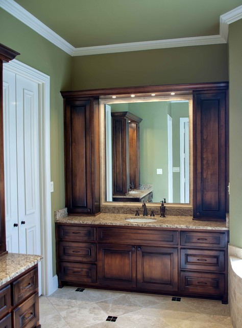 DFW Improved traditional bathroom