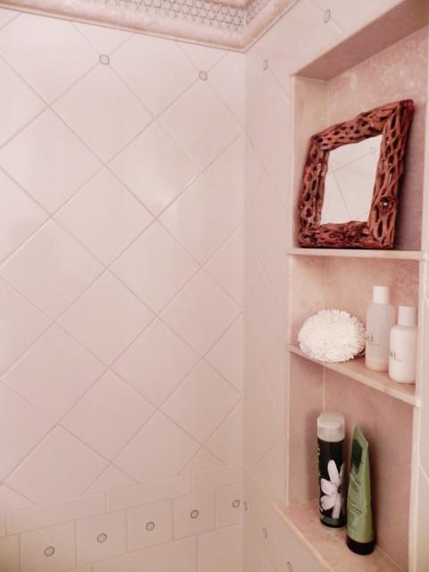 Diagonal Diamond Tile Penny Border Travertine Shower Niche