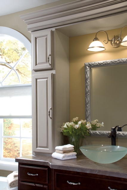 Diamond Cabinetry traditional-bathroom