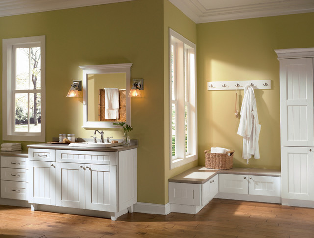 Diamond Cartwright Cabinets Traditional Bathroom Other By Masterbrand Cabinets Inc