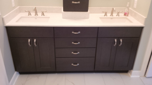Diamond Gresham Storm Condit Traditional Bathroom