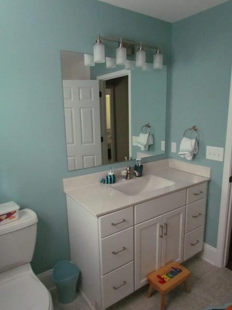 Diamond Hadley Maple Dover - Watson Hall Bath - Traditional - Bathroom - charlotte - by Lowes of ...