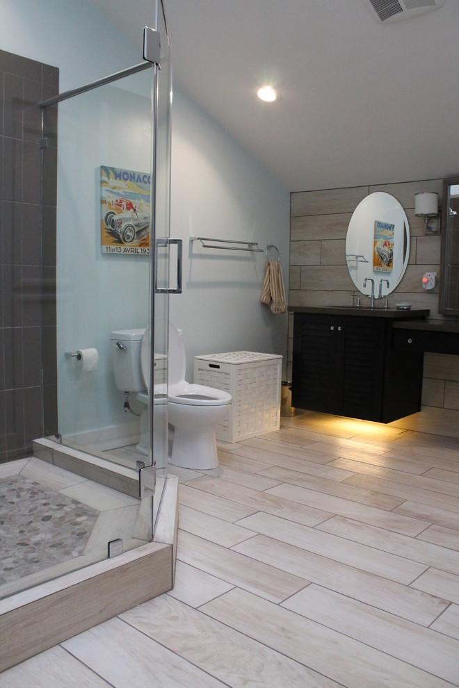 Discovery Point - Beach Style - Bathroom - Sacramento - by ...