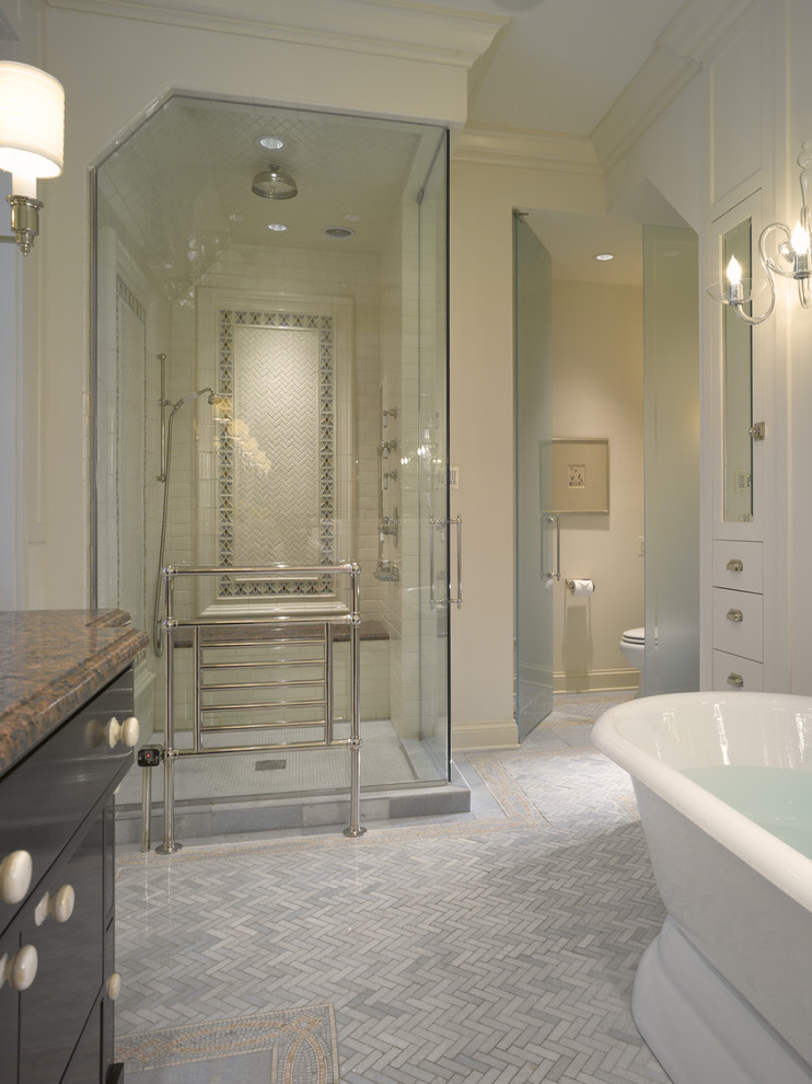 Inspiration for a timeless bathroom remodel in Chicago