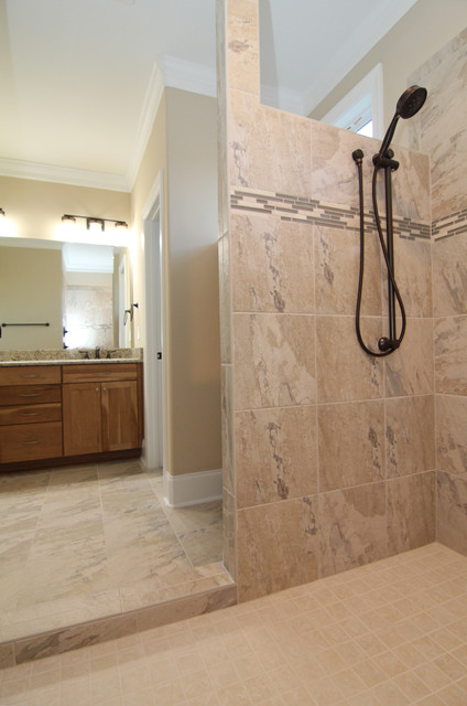 doorless tile shower classique chic salle de bain raleigh par stanton homes. Black Bedroom Furniture Sets. Home Design Ideas