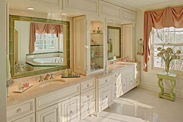 Custom His And Hers Vanity Traditional Bathroom