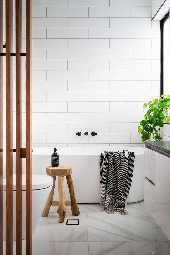 Downer Residence - Contemporary - Bathroom - Canberra ...