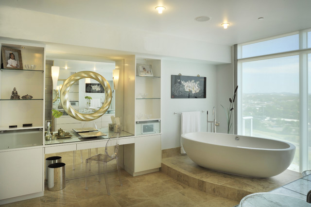 Downtown penthouse contemporary-bathroom