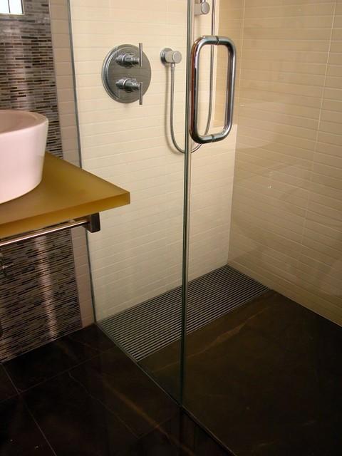 Dr Kennedy M Bath bathroom