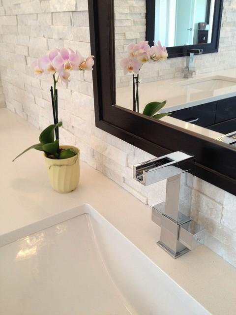 DSK Bathroom Reno contemporary-bathroom