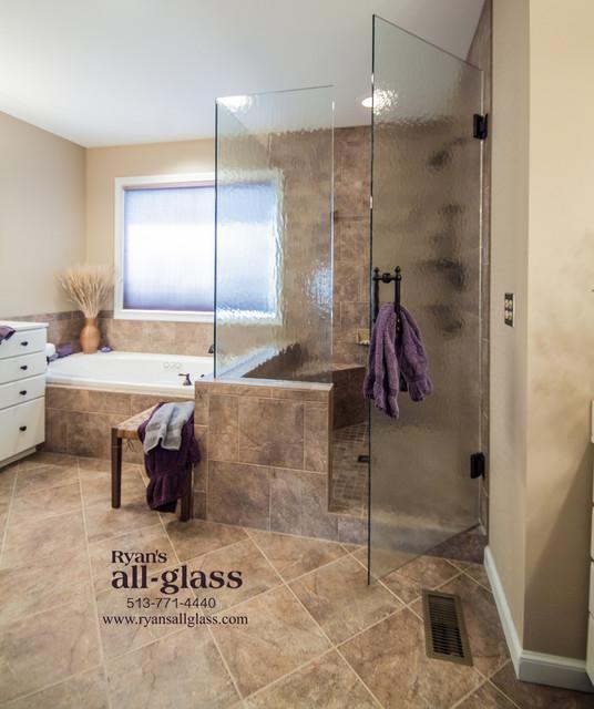 Dublin european style shower enclosure 4 obscure glass for Bathroom ideas dublin