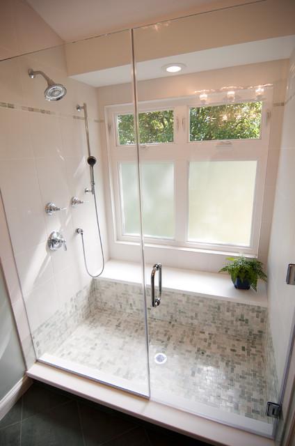 DuBro A + B Traditional Bathroom