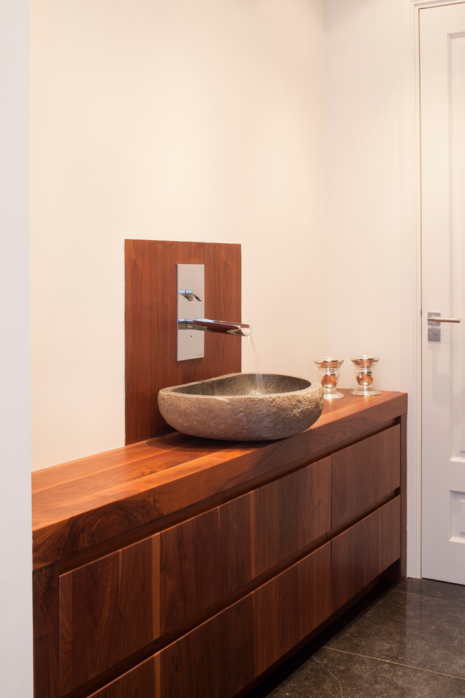 Inspiration for a contemporary bathroom remodel in New York