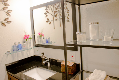 Earth-tone transitional bathroom project