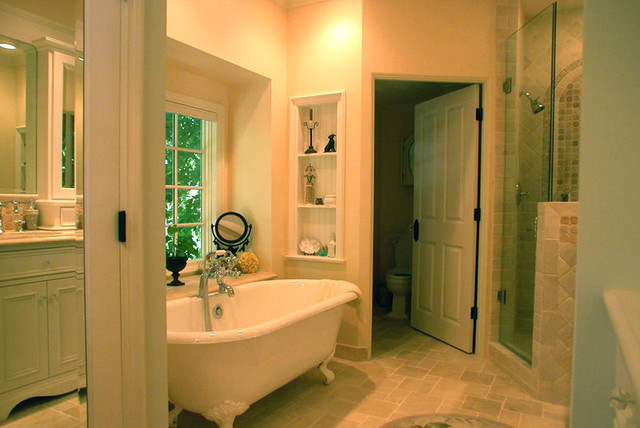 East Coast Traditional Beadboard Cottage Master Bath